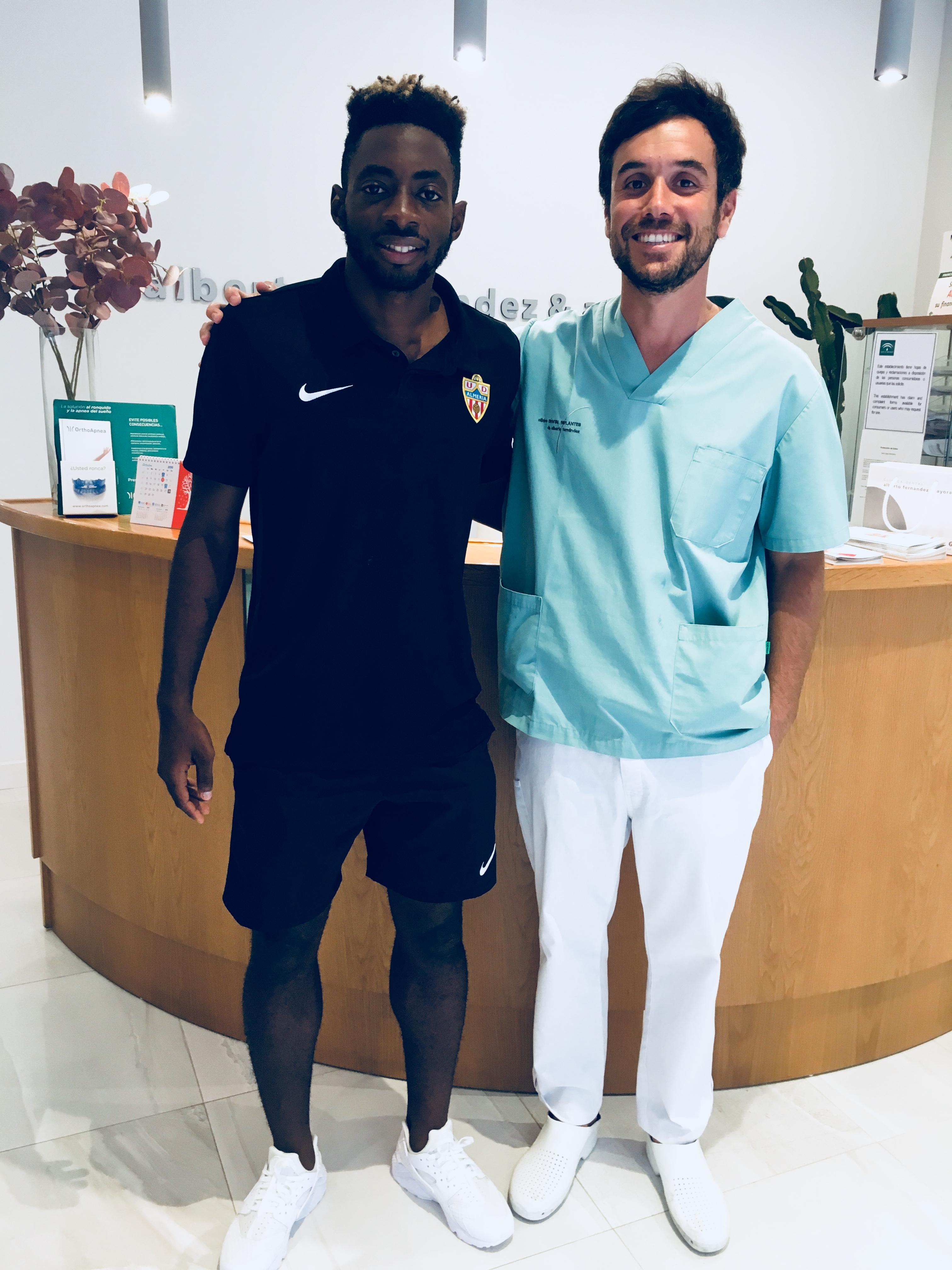 Colaboración Clinica Dental Fernandez Ayora y el club UD Almeria